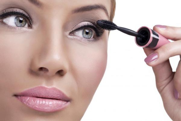 Основные ошибки, допускаемые во время макияжа глаз