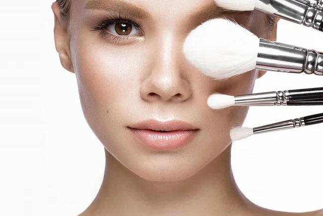 Как при помощи макияжа сделать лицо более худым